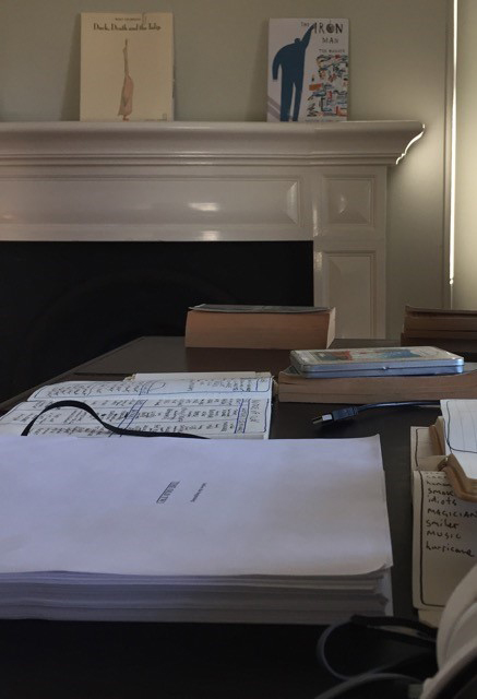 Zusak_manuscript_desk