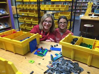 Maker Station #11 - Lego station with Lena and Reggan